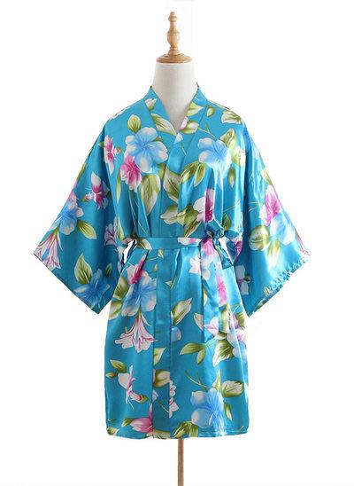 Novia La dama de honor Túnicas florales Túnicas de kimono con - Corto