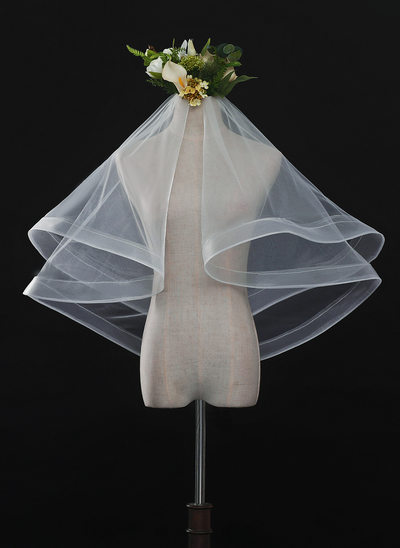 One-tier Ribbon Edge Waltz Bridal Veils With Lace