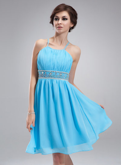 A-Line/Princess Scoop Neck Knee-Length Chiffon Homecoming Dress With Ruffle Beading