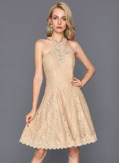 A-Line/Princess Scoop Neck Knee-Length Lace Homecoming Dress With Beading Sequins