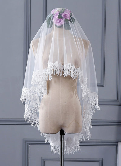 One-tier Lace Applique Edge Chapel Bridal Veils