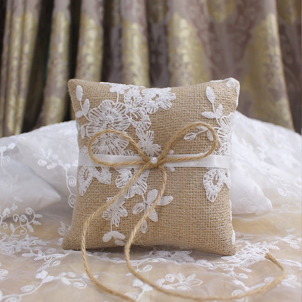 Elegant/Classic Linen Ring Pillow