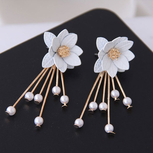 Flower Shaped Alloy Imitation Pearls With Imitation Pearl Women's Fashion Earrings (Sold in a single piece)