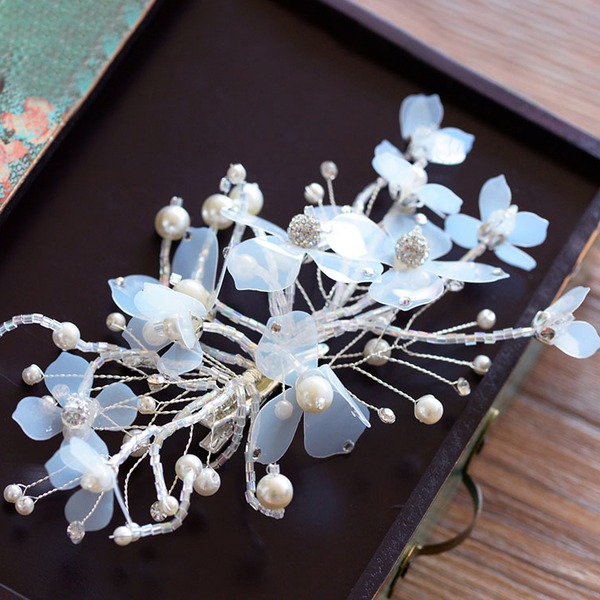 Metalliseos/Silkki kukka Barrettes jossa Tekojalokivi/Venetsialaine Helmi (Myyty yhtenä palana)