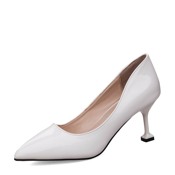Vrouwen Patent Leather Spool Hak Closed Toe Pumps met Anderen