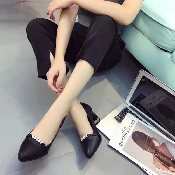 Frauen PU Stämmiger Absatz Absatzschuhe Geschlossene Zehe mit Strass Schuhe