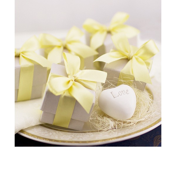 Exquisite Heart Soap Wedding Favors (Sold in a single piece)