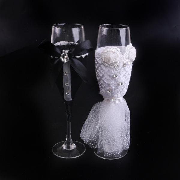 Braut und Bräutigam Toasten Flöten mit Ribbon Bow/Strass/Blumen (Satz Von 2)