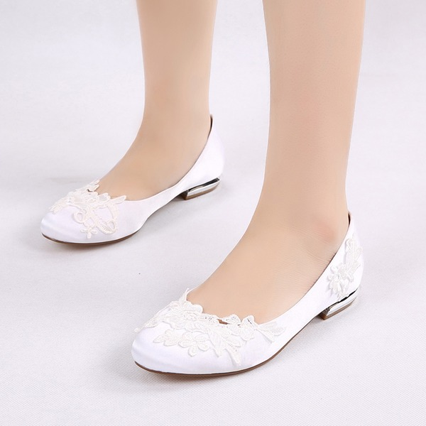 Women's Silk Like Satin Low Heel Closed Toe Flats With Applique