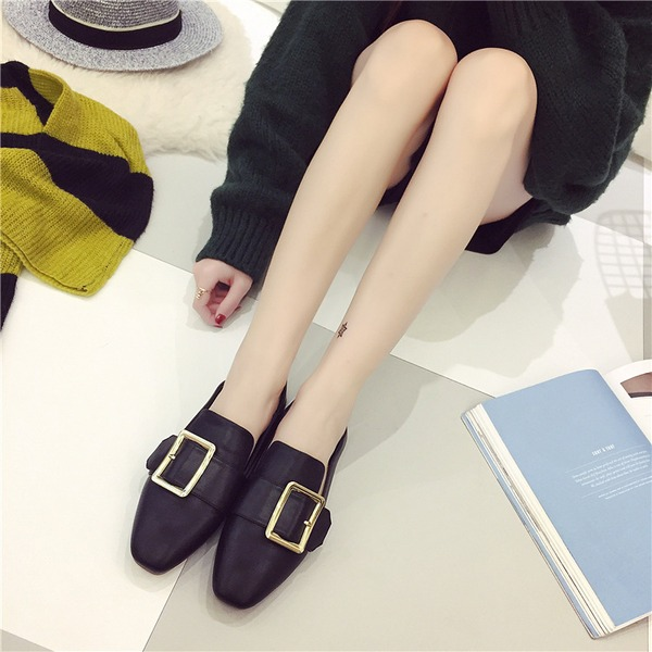 Women's PU Flat Heel Flats Closed Toe With Buckle shoes