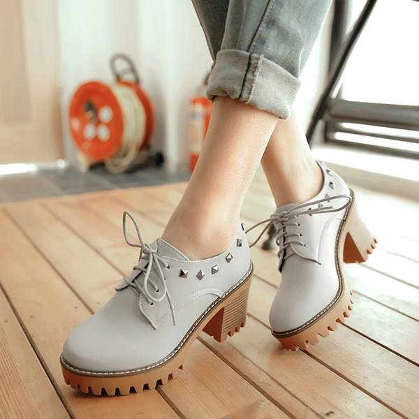 Femmes Similicuir Talon bottier Escarpins avec Rivet chaussures