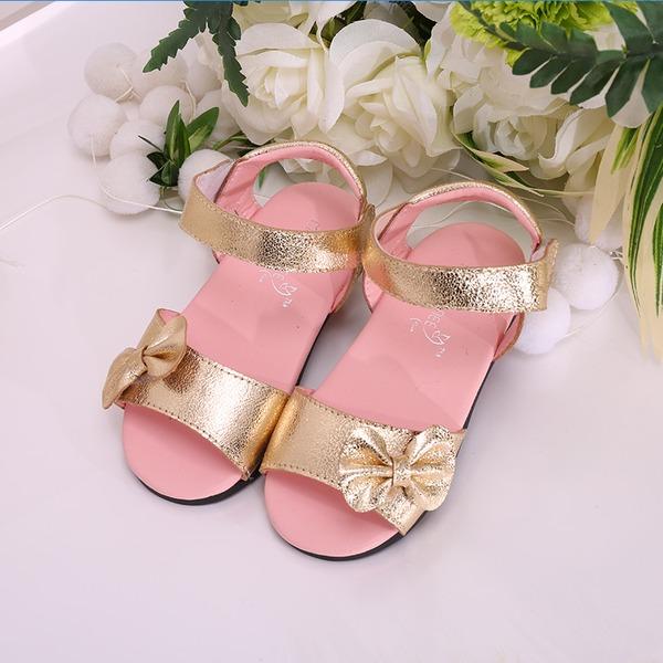 Girl's Peep Toe imitatieleer Flat Heel Sandalen Flats Bloemenmeisje schoenen met strik Velcro