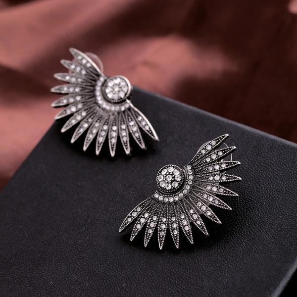Vintage Alloy Rhinestones Women's Fashion Earrings (Sold in a single piece)