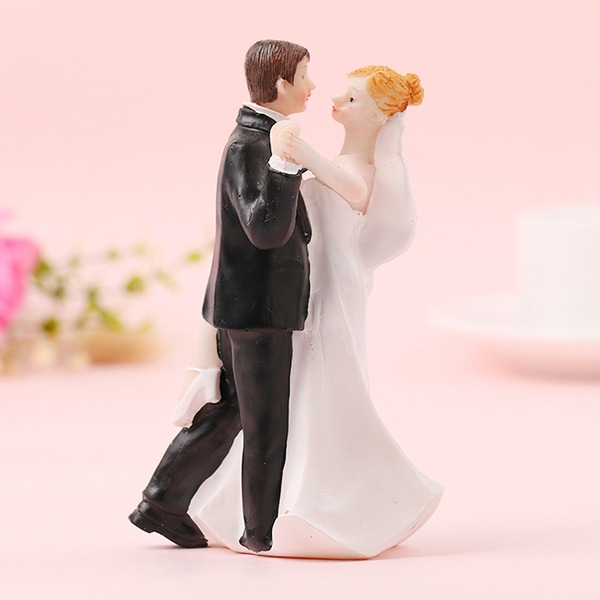Klassiska par/Söt kärlek Resin Tårtdekoration (Säljs i ett enda stycke)