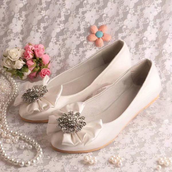 Femmes Soie comme du satin Talon plat Bout fermé Chaussures plates avec Cristal