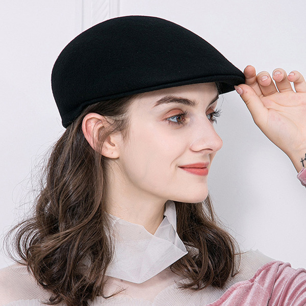 Ladies ' Elegant Uld Baret Hat