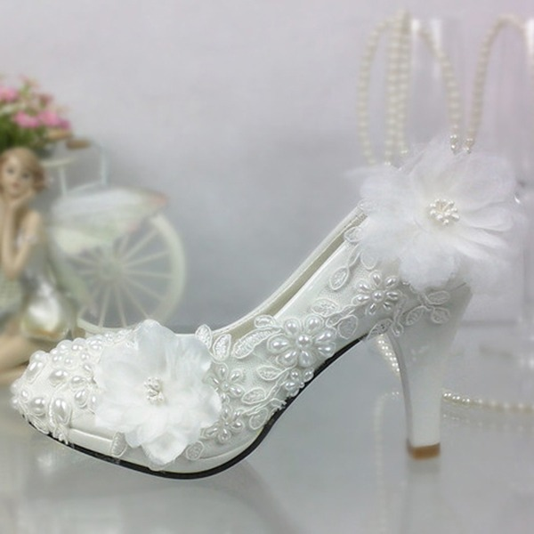 Women's Patent Leather Stiletto Heel Closed Toe Pumps With Imitation Pearl Stitching Lace Flower Applique