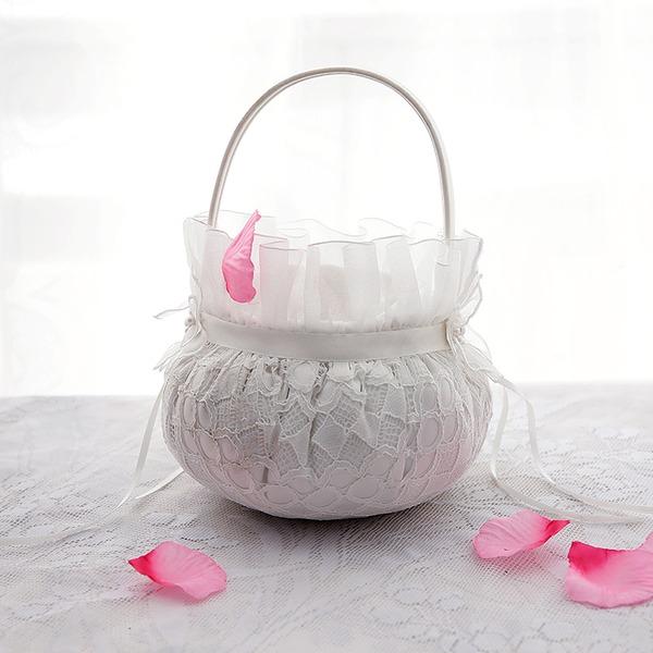 Kaunis Flower Basket jossa Kukka