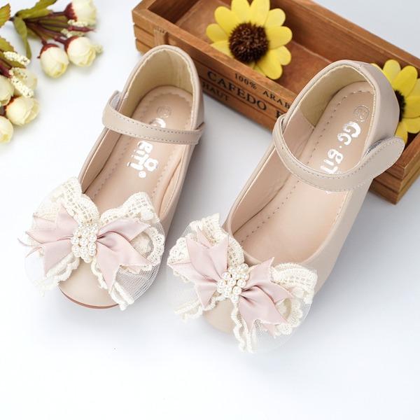 Mädchens Round Toe Microfaser-Leder Flache Ferse Blumenmädchen Schuhe mit Perlstickerei Bowknot Klettverschluss