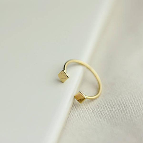 Personalizado Senhoras Elegante Banhado a ouro Gravado Anéis Ela/Amigos/Menina das flores